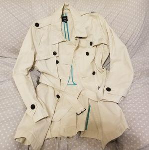 🍦Gap Cream Trech Coat with Belt XL🍦
